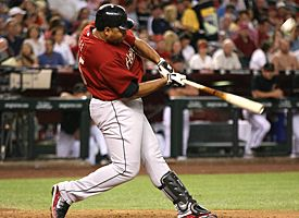 Happy Birthday To former MLB'er Carlos lee, one of the best RBI men in his generation.