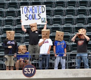 baseball-fans-sad_2012507i