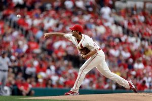St. Louis Cardinals starting pitcher Adam Wainwright keeps owning baseball! (AP Photo/Jeff Roberson)