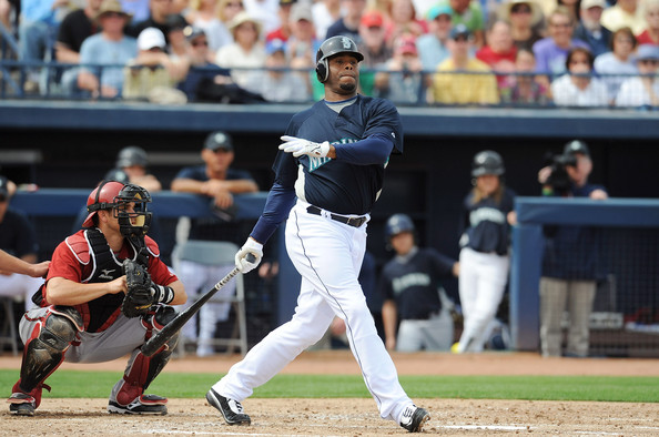 "Right in the middle of the whole McGwire and Sosa HR chase on a yearly basis, there was Ken Griffey Jr. doing it the right way, compiling 209 HRs and 567 RBI over this 4 year stretch.  ""The Kid""  racked up another 4 gold gloves to make 9 by the age of 29.  At 398 HRs before turning 30, Griffey signed a 9 year/90 million dollar contract with the Cincinnati Reds.  The only reason why I didn't have him ahead of Thomas, or Bonds for that matter for the earlier part of the decade, was that his average was a little lower then these gentlemen.  But for this time frame, Griffey was by far the best all-around player.  Only a beefed up Barry Bonds would usurp him for the role of best player for the next 5 years after 1999."