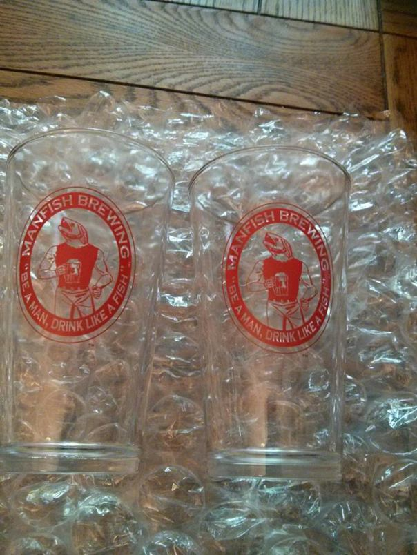 Manfish Brewing Mugs are really cool to have in your house.  With that, you can also know, we are donating 75 cents for every glass purchased through MLB Reports..  At 2 mugs for just $17 (Free S&H in USA), plus a donation, this is a steal of a deal.