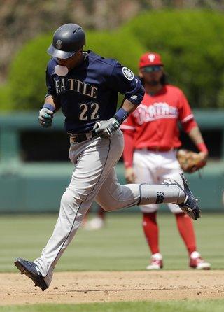 Mariners_Phillies_Baseball_120216-320x446
